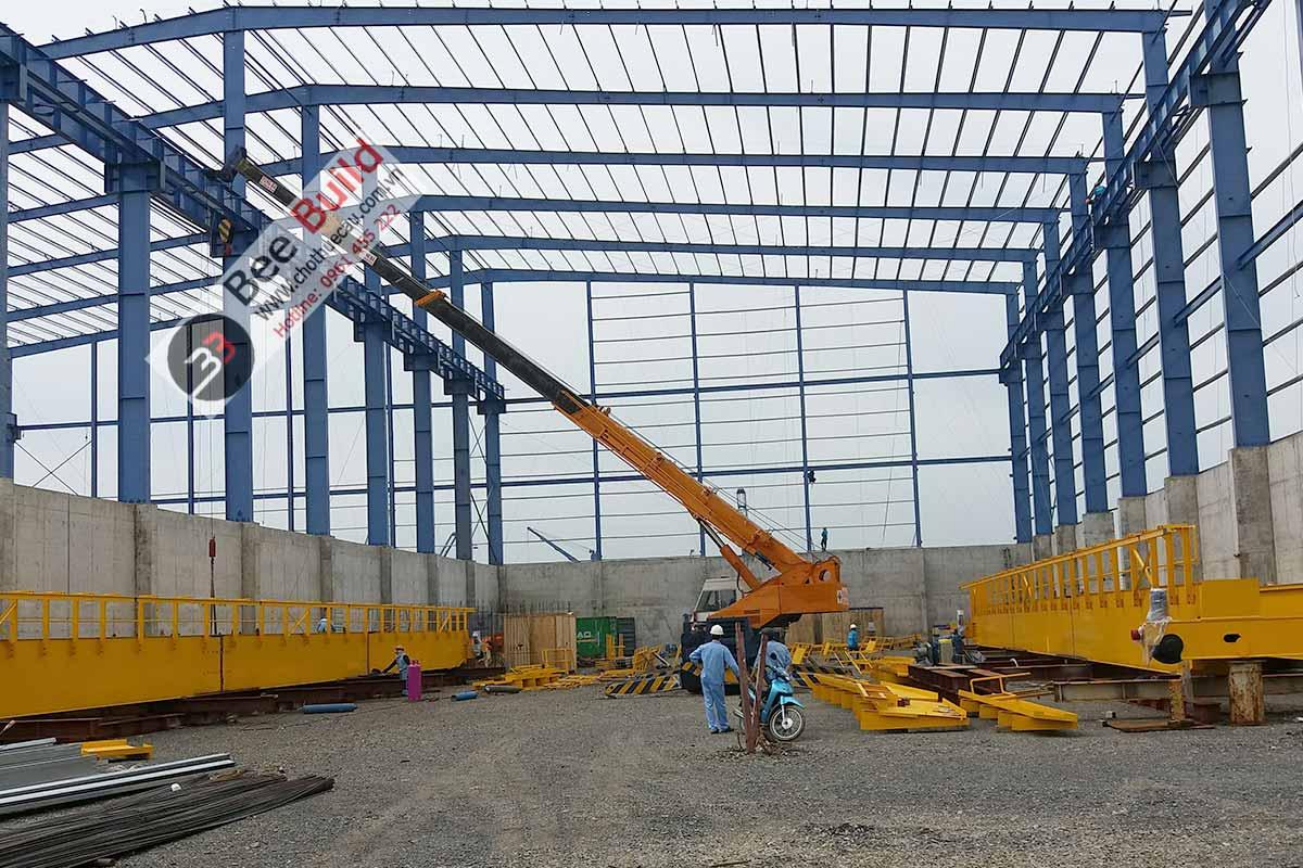 Cho thuê cẩu lốp 25 tấn Kobelco RK250-2 tại Cảng Cái Mép Thị Vải